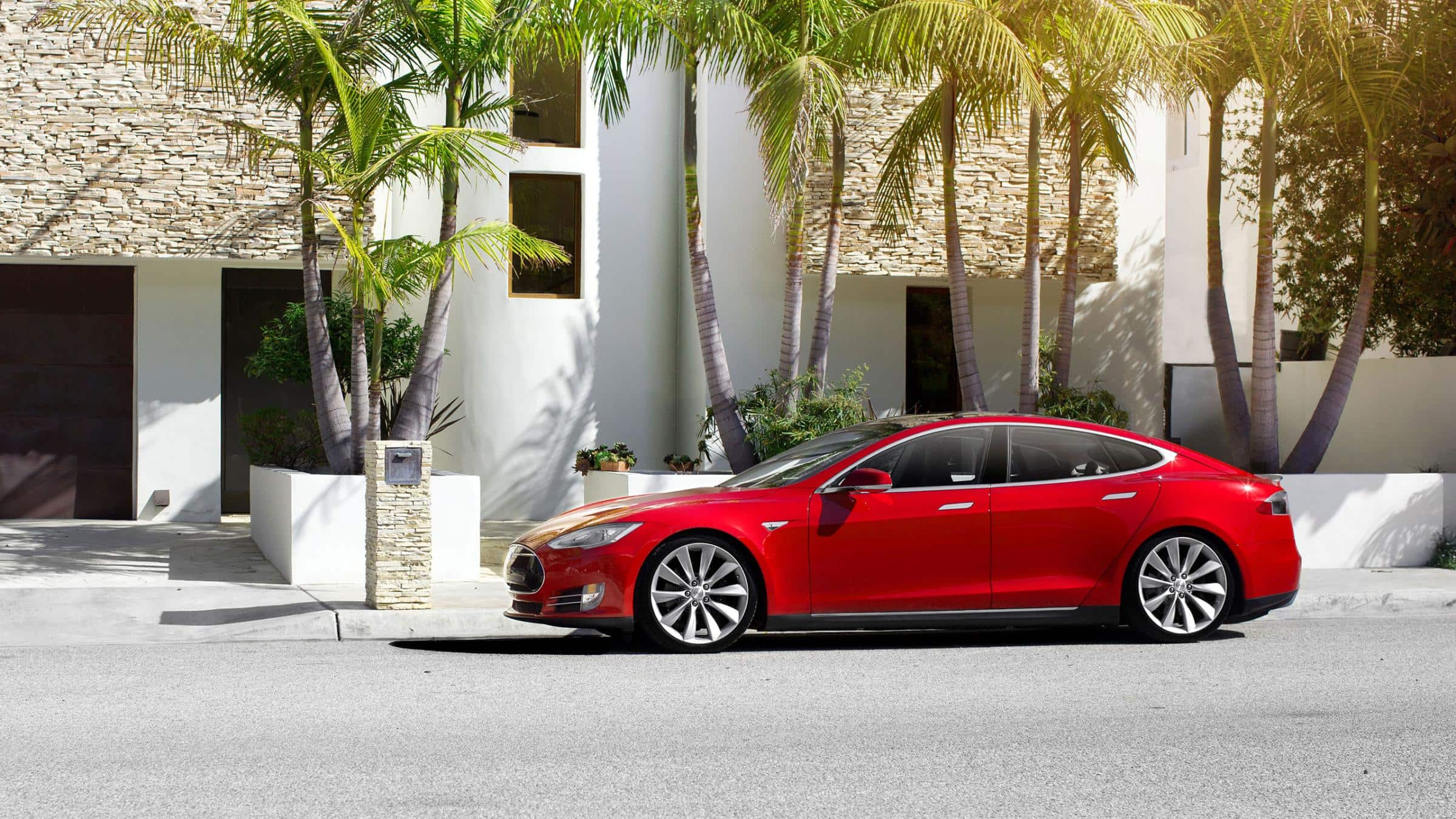 http://www.teslamotors.com/sites/default/files/blog_images/model-s-photo-gallery-05.jpg