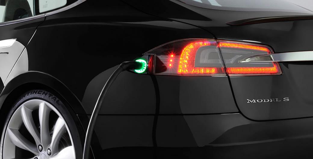 tesla السيارة الكهربائية 100 بالمئة  Charging-default