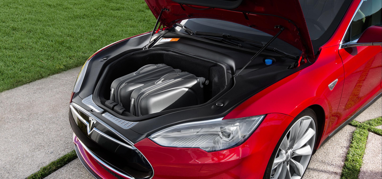Tesla S85D front cargo