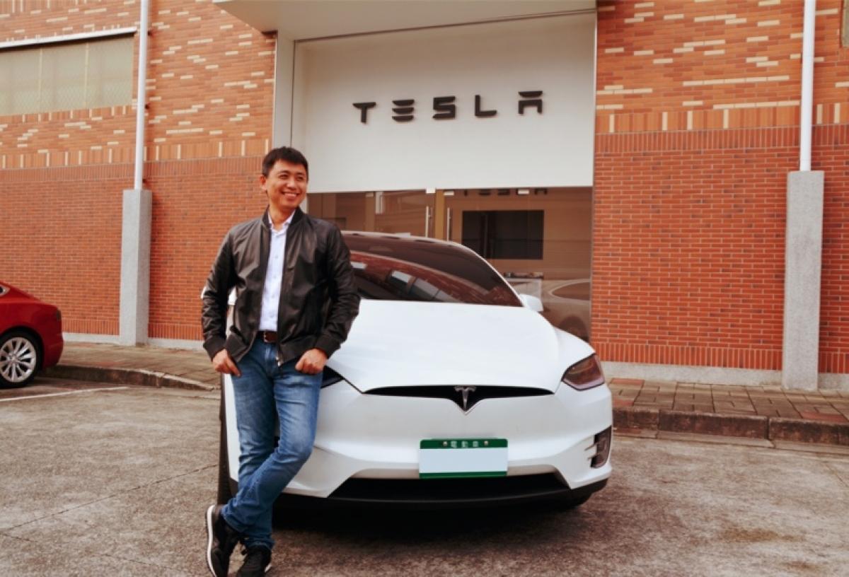 坐上Tesla,彷彿進入未來世界
