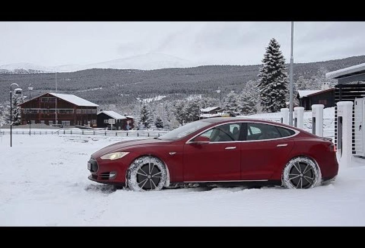 Témoignages de proriétaires de ModelS - Conduite hivernale en Norvège