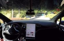 Guida autonoma disponibile su tutte le Tesla